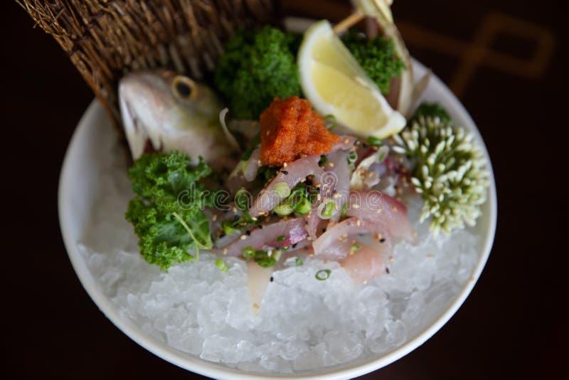 Ciérrese para arriba en el Sashimi de la caballa de Aji fotos de archivo
