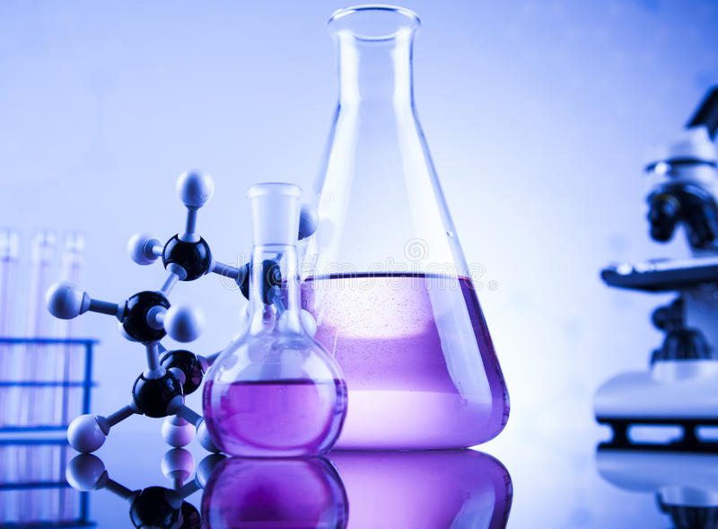 Ciência da química, fundo dos produtos vidreiros de laboratório foto de stock