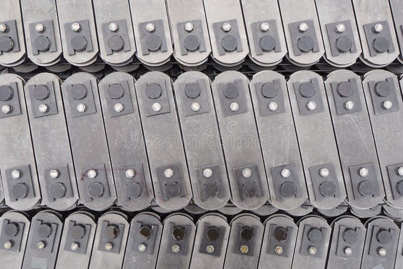 Ciągnąć blokowego konwejeru łańcuch w górę Technologia budowa maszyn obrazy royalty free