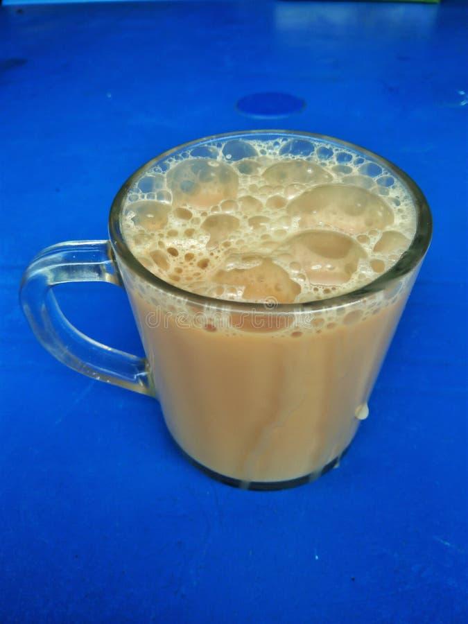 Ciągnąca herbata lub Tarik zdjęcia royalty free