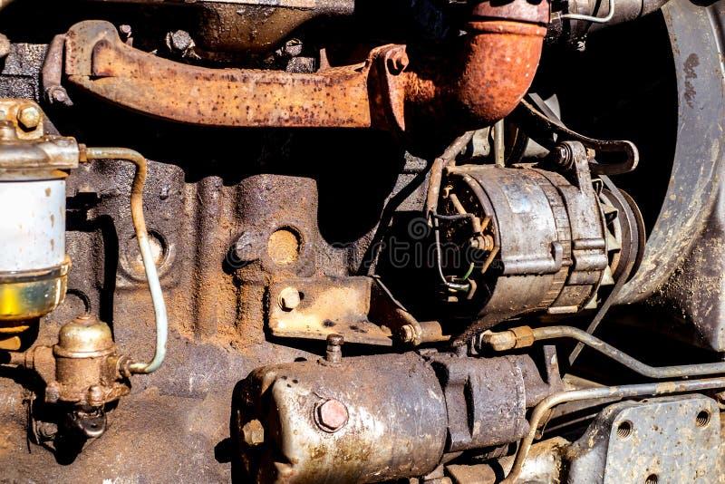 Ciągnika brudny silnik zamknięty w górę zdjęcie stock