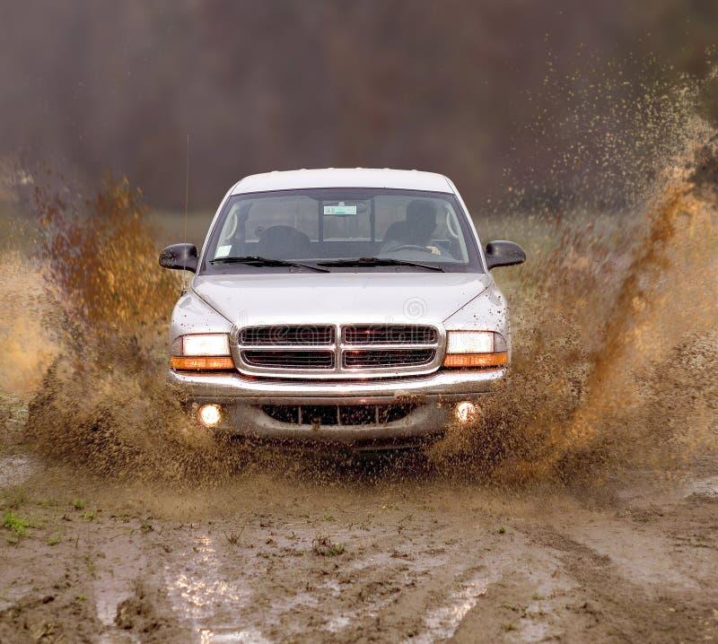 Download Ciężarówka błoto obraz stock. Obraz złożonej z rasa, błoto - 37593