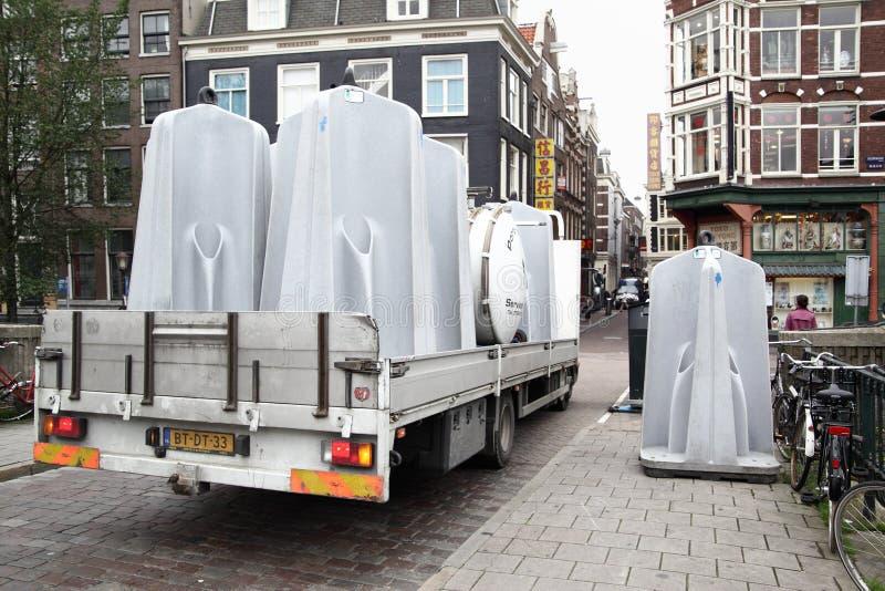 Ciężarówka z jawnymi pisuarami obrazy royalty free