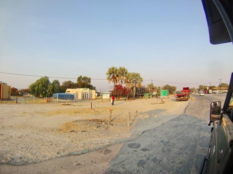 Ciężarówki na drodze w Botswana zdjęcie royalty free