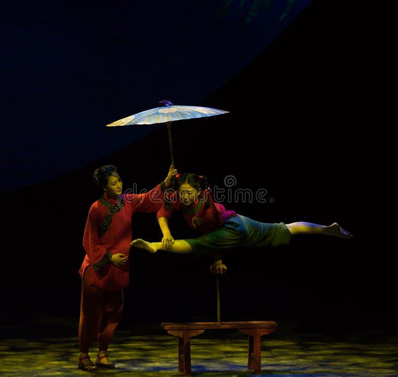 Ciężarna akrobatyczna showBaixi sen noc zdjęcie stock