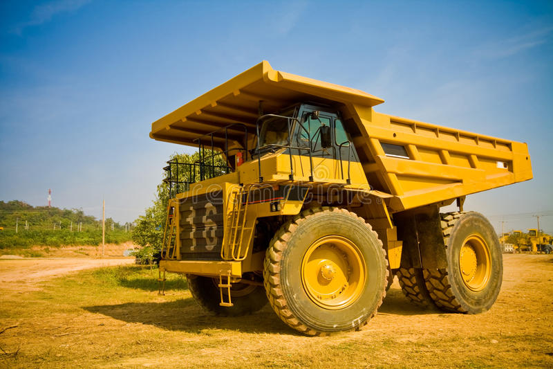 ciężarowy kolor żółty zdjęcie stock