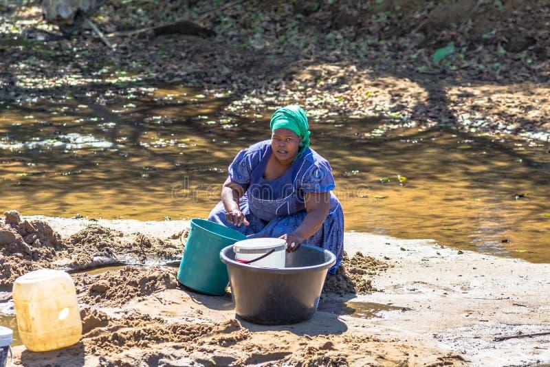 Ciężki życie afrykańska kobieta zdjęcia royalty free