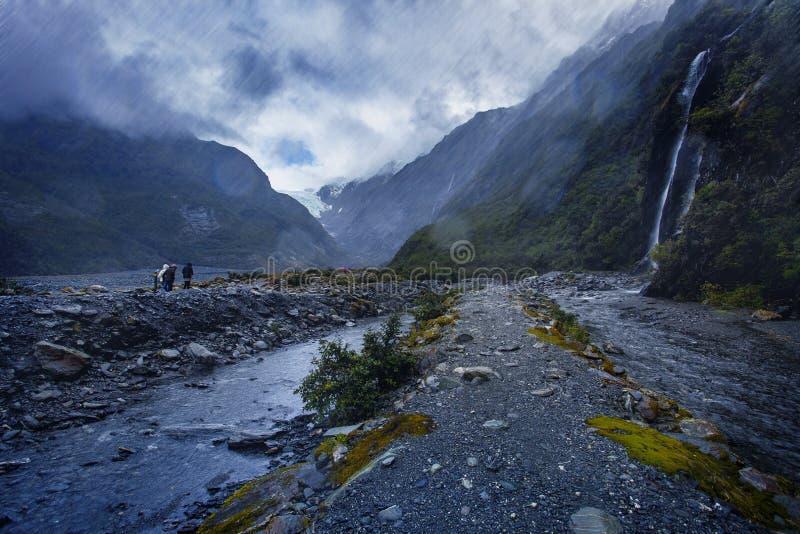 Ciężki deszcz w Franz Josef lodowu nowy Zealand fotografia royalty free
