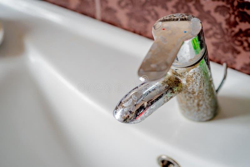 Ciężkiej wody depozyt na klepnięciu fotografia royalty free