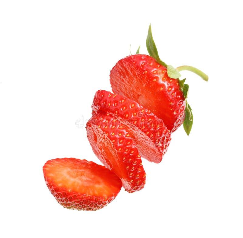 Cięcie kawałek jagodowa truskawka odizolowywająca zdjęcie stock