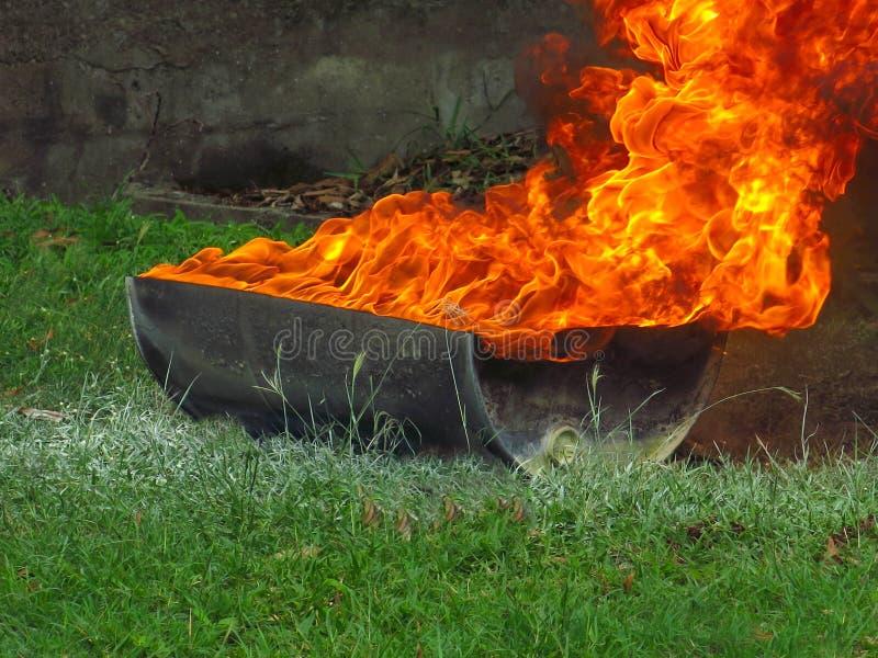 Ci?rrese para arriba de llamas fotos de archivo