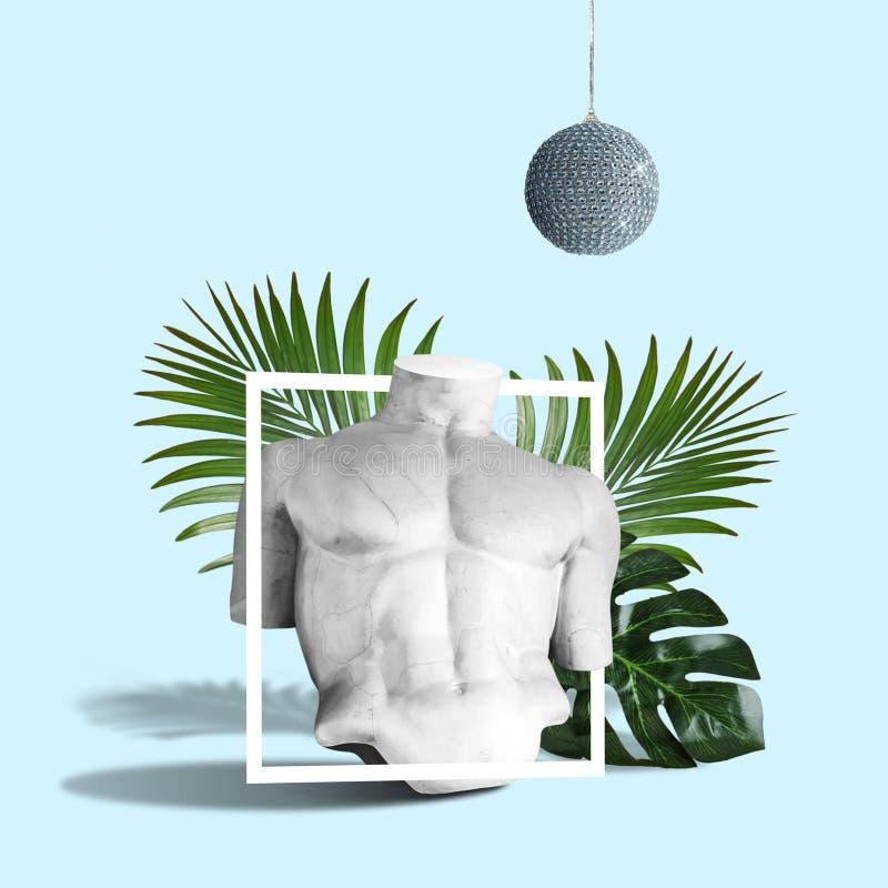 Ciało statua z palmą opuszcza na błękitnym tle zdjęcia royalty free