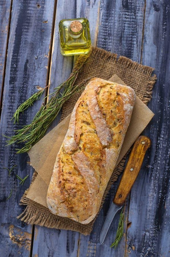 Ciabatta, оливковое масло и розмариновое масло хлеба стоковое фото rf