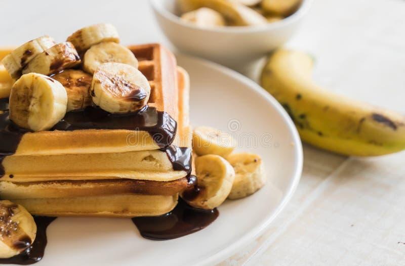 cialda della banana con cioccolato immagine stock