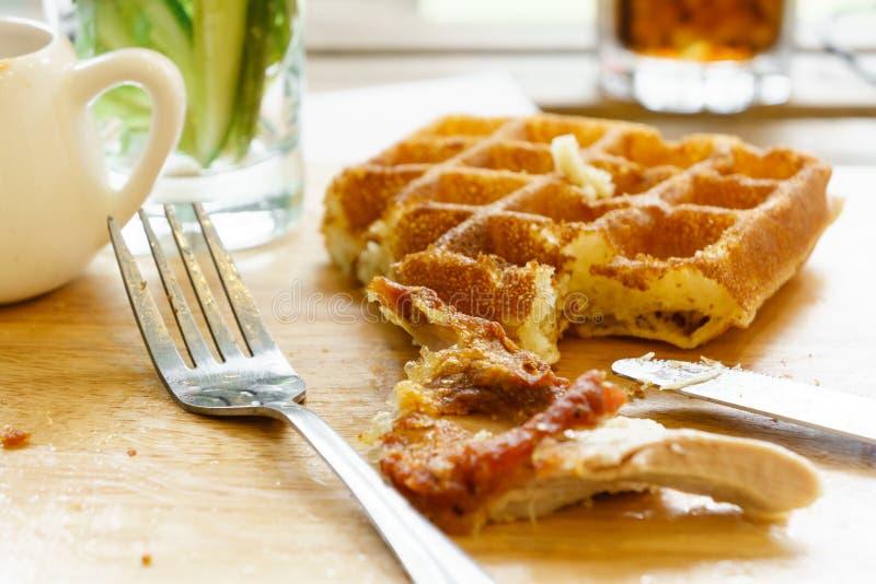 Download Cialda e pollo fritto immagine stock. Immagine di cialda - 56893001