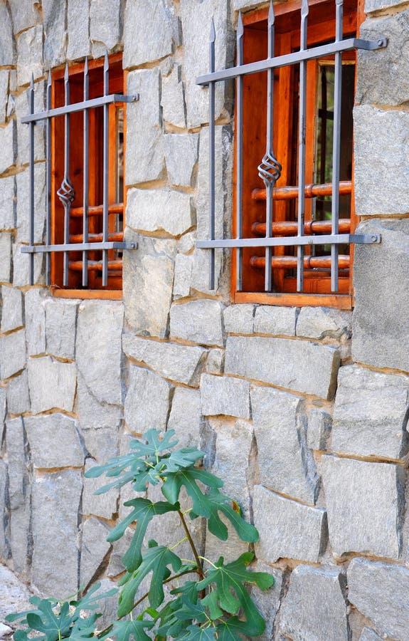 Download ściana Stary Kamienia Dom Z Okno Obraz Stock - Obraz złożonej z historyczny, budowa: 106919879