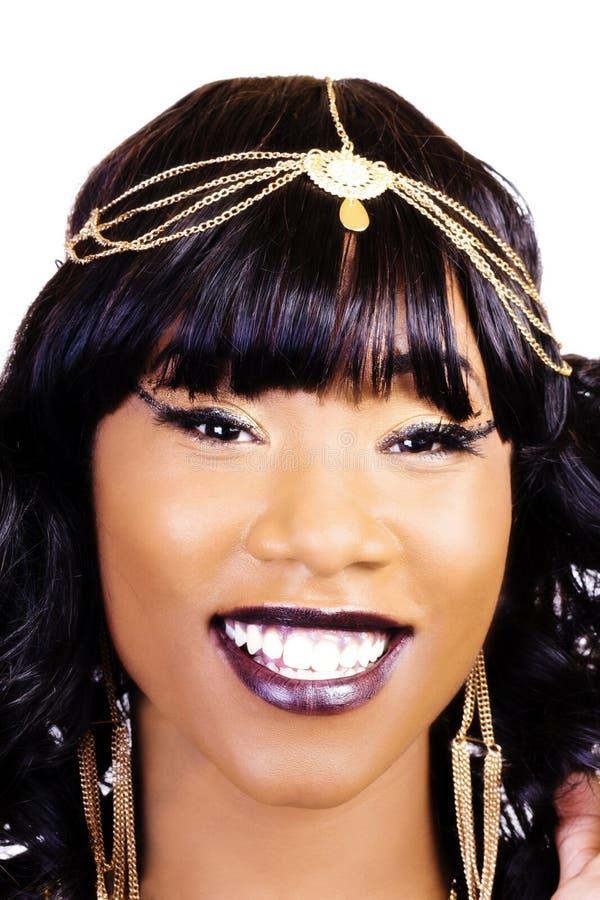 Ciasnego Uśmiechniętego portreta amerykanina afrykańskiego pochodzenia Atrakcyjna kobieta zdjęcie royalty free