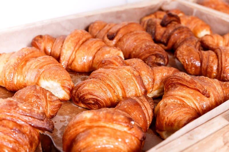 Ciasta i chleb w piekarni Słodki ciasto, Croissants obraz stock