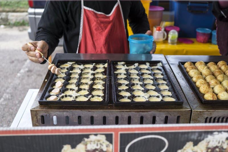 Ciasteczko dla sprzedaży przy noc rynkiem zdjęcie stock