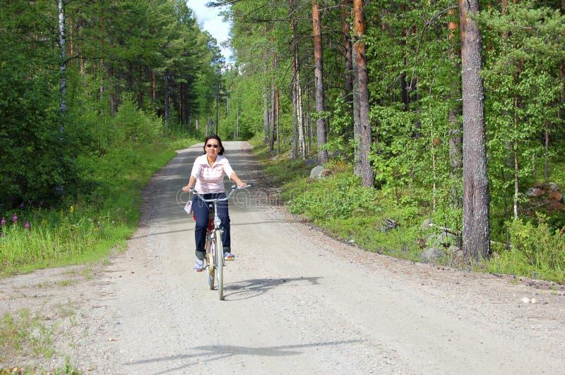 Ciclando in Finlandia fotografia stock