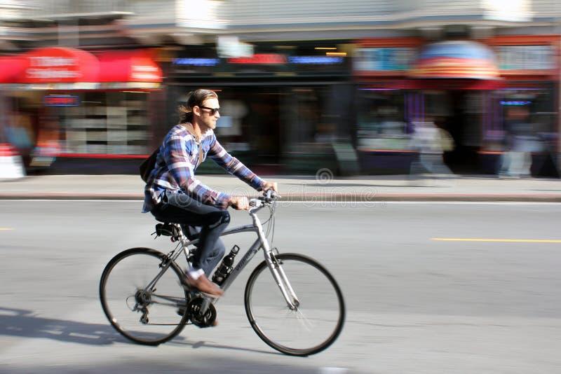 Ciclando a San Francisco immagini stock