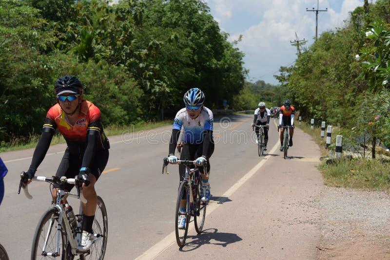 Ciclista amador competem em um programa da caridade fotografia de stock