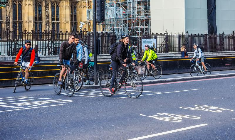 Ciclistas en Londres, hdr imágenes de archivo libres de regalías