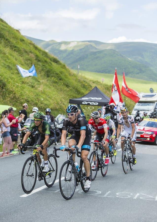Ciclistas no colo de Peyresourde - Tour de France 2014 imagens de stock royalty free