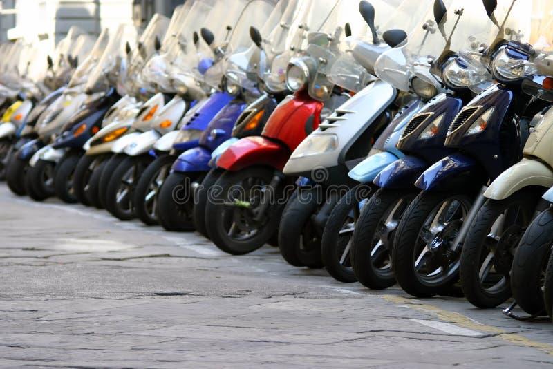 Ciclomotores de Florencia imagen de archivo libre de regalías