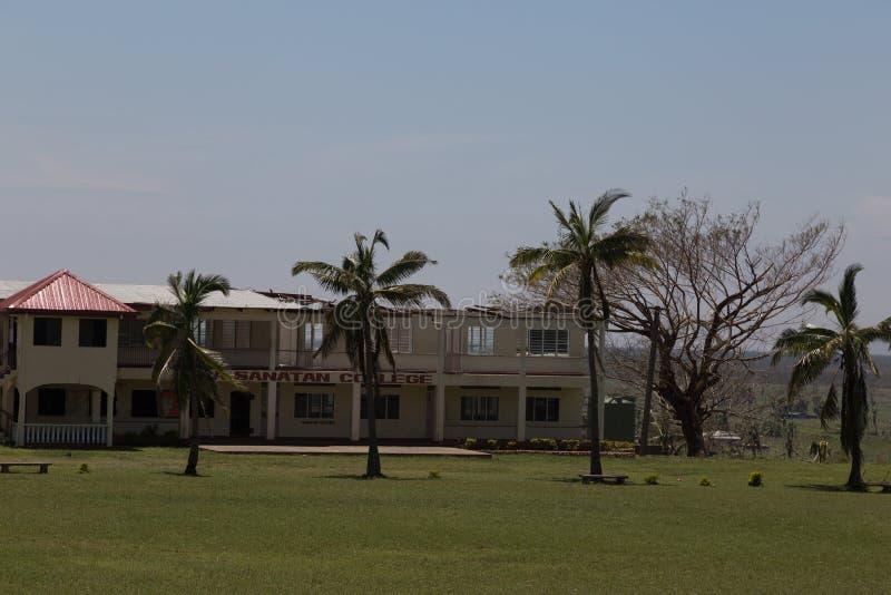 Ciclone - faculdade danificada fiji imagem de stock royalty free