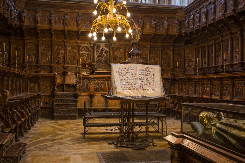 Cid Campeador ` s坟墓在圣母玛丽亚,西班牙布尔戈斯大教堂里  布尔戈斯主教座堂在世界遗产名录站点中被插入被联合国 图库摄影