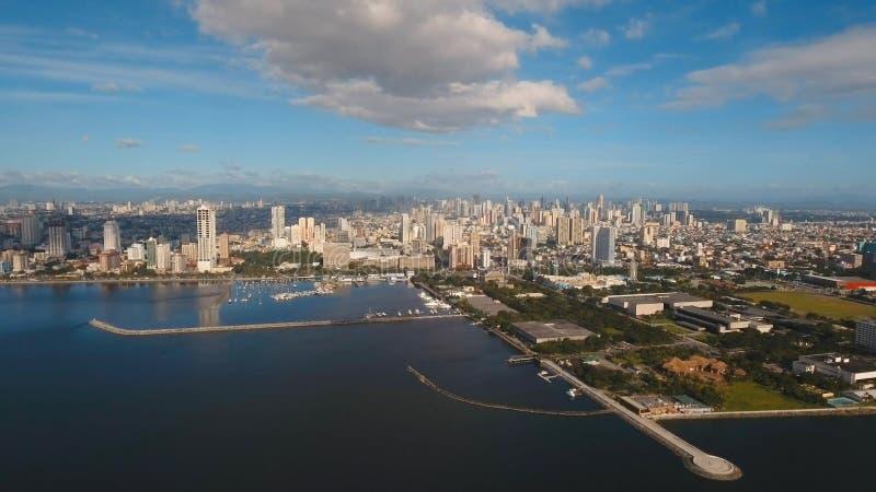 Cidade aérea com arranha-céus e construções Filipinas, Manila, Makati fotografia de stock royalty free