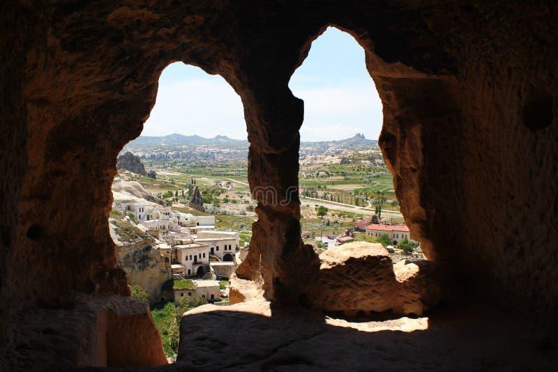Cidade antiga da caverna de Cavusin em Cappadocia, Turquia imagem de stock
