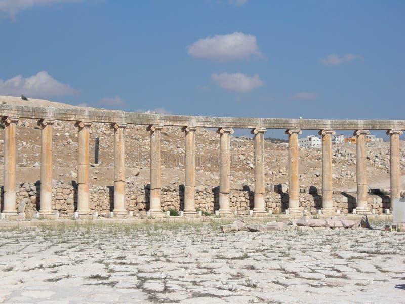 Cidade antiga das colunas de Jereah em Jordan Marketplace fotografia de stock