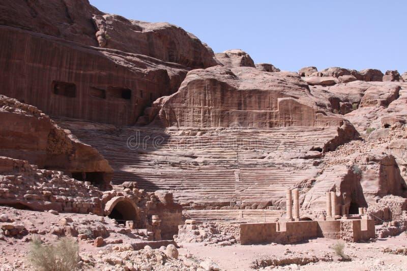 Cidade antiga de moradias de cavernas de PETRA fotos de stock royalty free