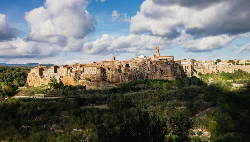 Cidade antiga de Sorano. Italy fotos de stock