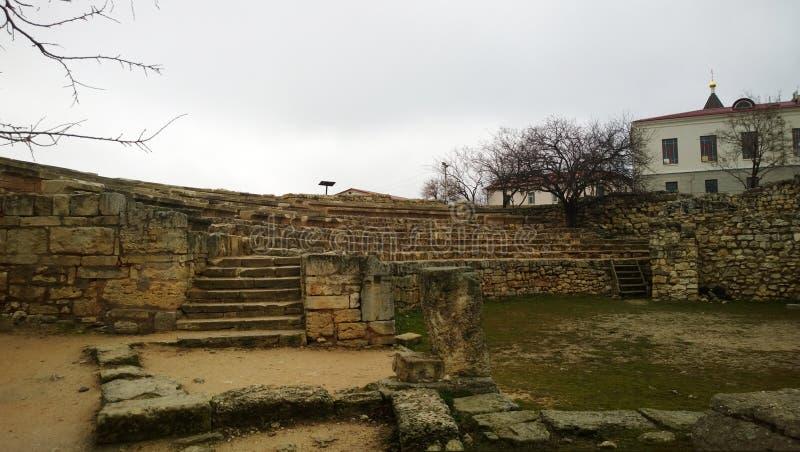 Cidade antiga de Tauric Chersonese - o anfiteatro imagens de stock