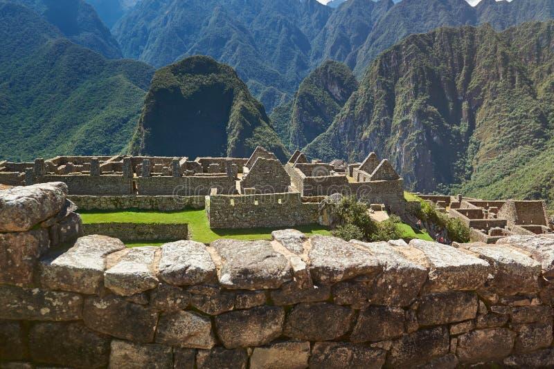 Cidade antiga do inca na paisagem da montanha imagem de stock