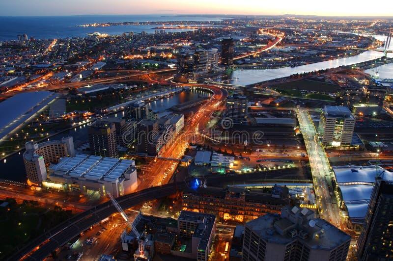 Download Cidade após a obscuridade foto de stock. Imagem de céu - 531206