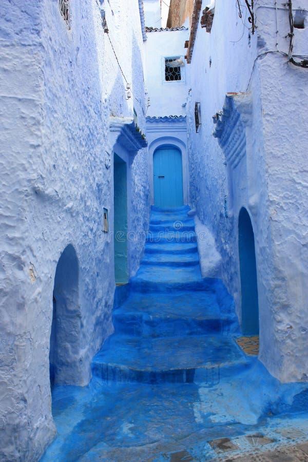 Cidade azul de Chefchaouen em Marrocos fotografia de stock