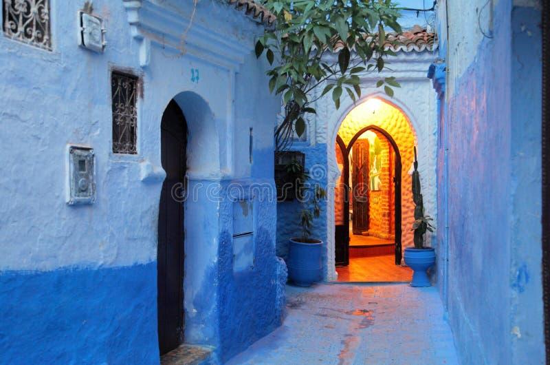 A cidade azul de Chefchaouen Marrocos imagens de stock