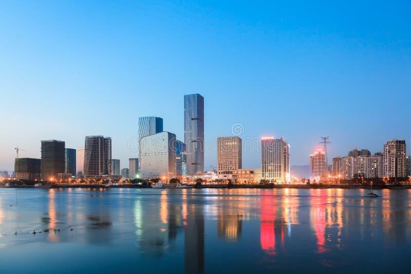 Cidade chinesa CBD no crepúsculo imagem de stock royalty free