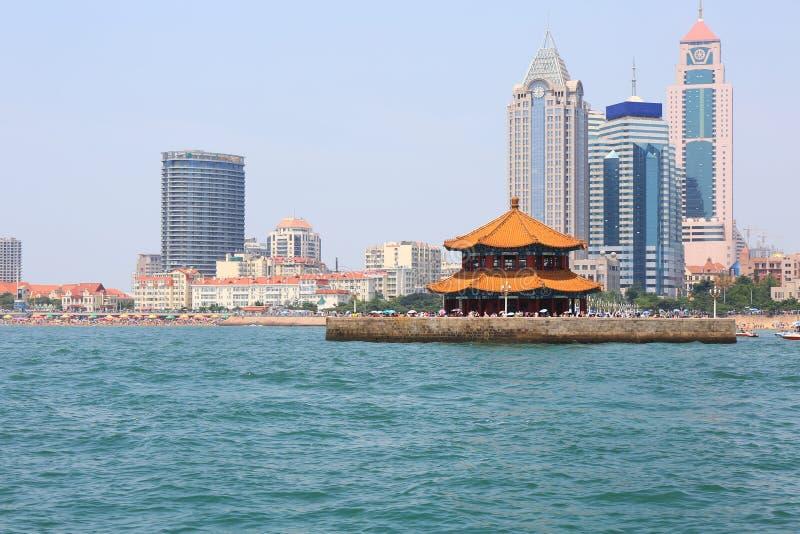 Cidade chinesa do beira-mar, Qingdao imagem de stock royalty free