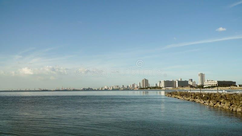 Cidade com arranha-céus e construções Filipinas, Manila, Makati fotografia de stock