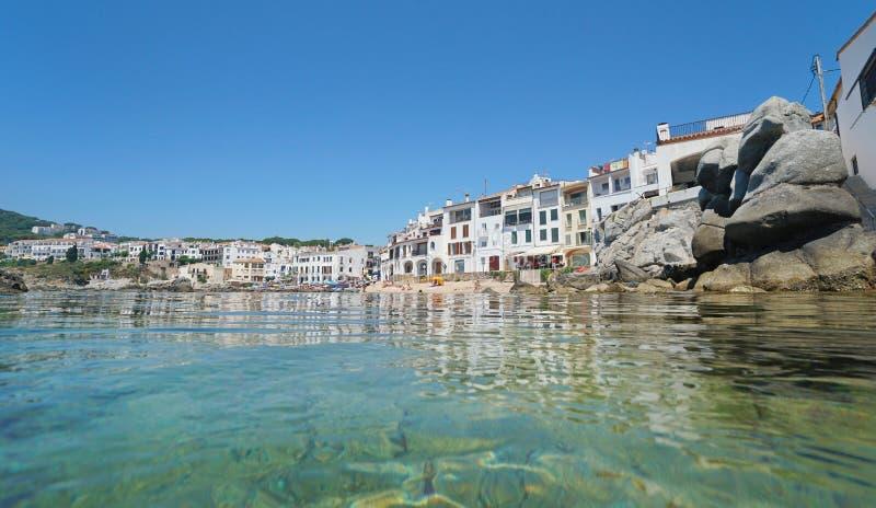 Cidade costeira de Calella de Palafrugell da Espanha imagens de stock royalty free