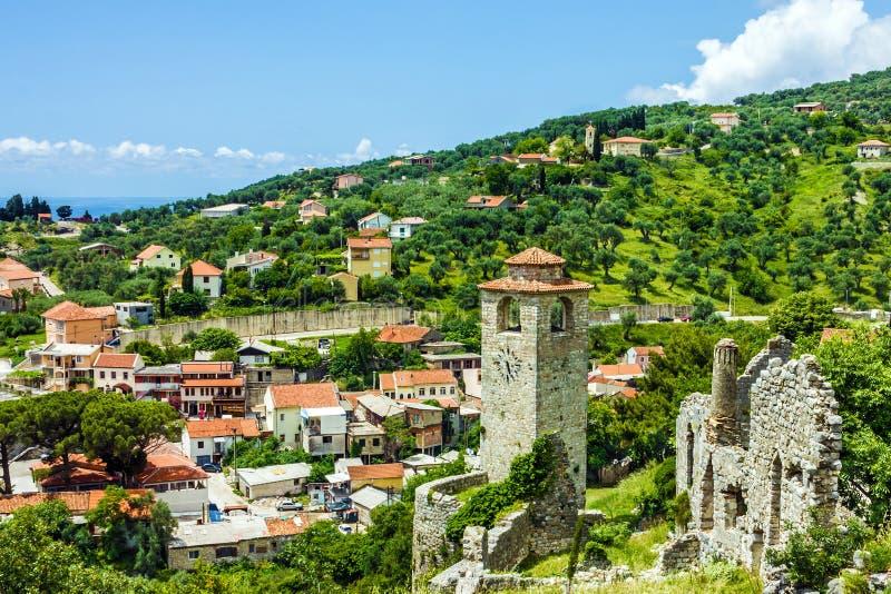 Cidade da barra em Montenegro, fortaleza velha imagens de stock