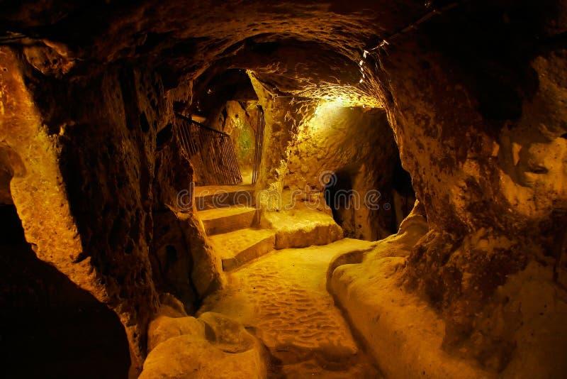 Cidade da caverna, Derinkuyu, Turquia imagem de stock