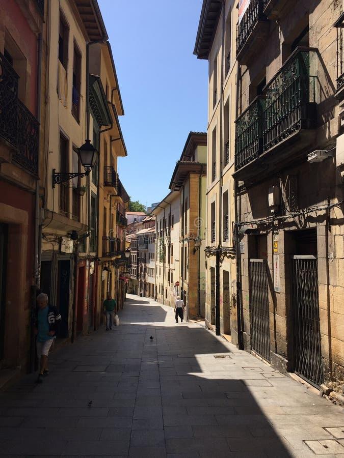 A cidade da Espanha de Aviles as Astúrias imagem de stock