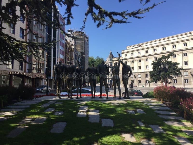 A cidade da Espanha de Aviles as Astúrias fotos de stock