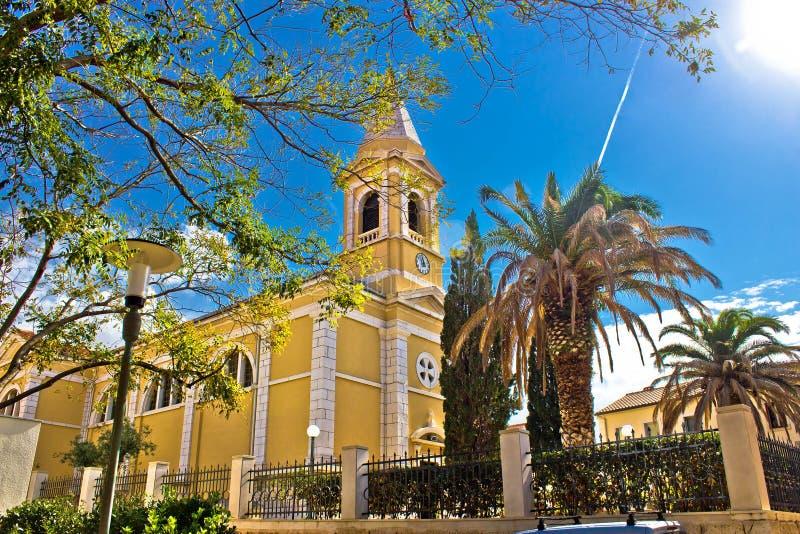 Cidade da igreja de Novalja, ilha do Pag foto de stock royalty free
